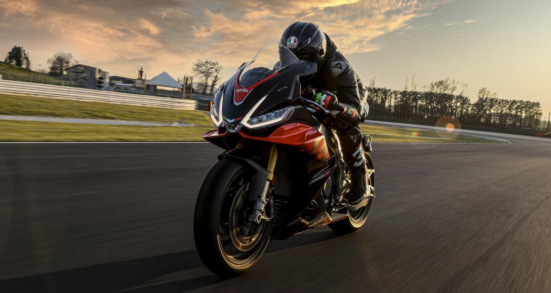 Nouvelle Aprilia RSV4   L'ultime Superbike